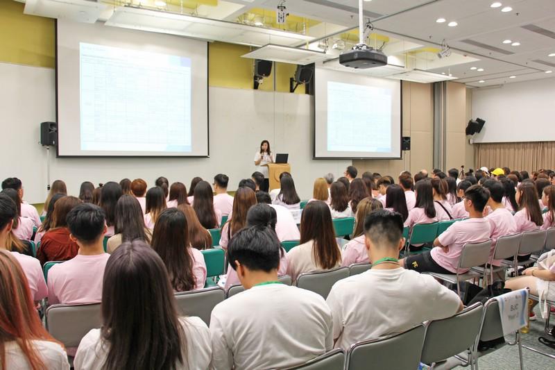 Freshmen of the School listened attentively to Professor Tso.