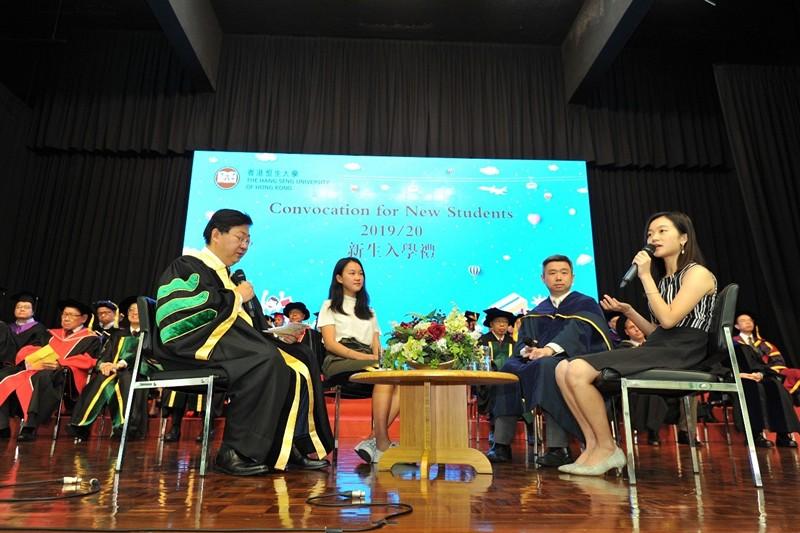 (左起)何順文校長、詹瑩瑩同學、巫耀榮博士以及鄭雅雯小姐於座談會中交流分享