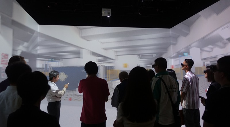 A visit to the Virtual Reality Centre was arranged for the participants