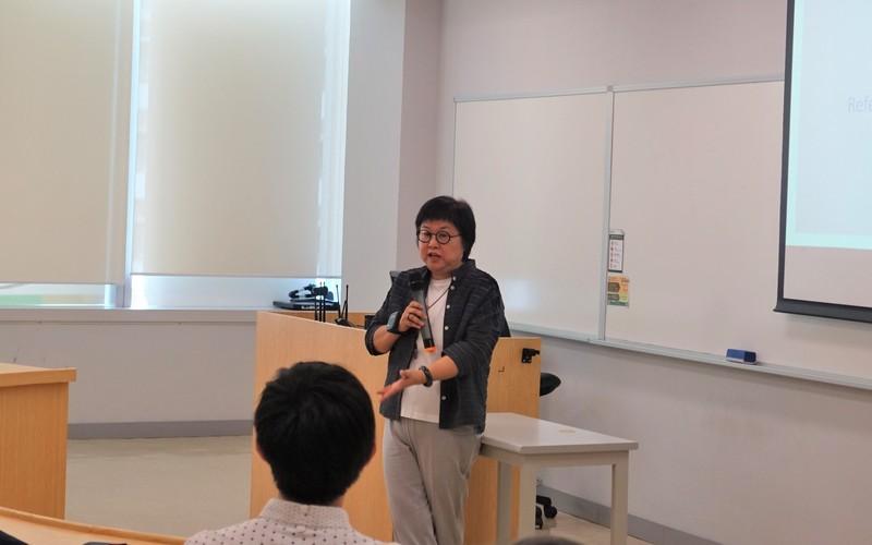 演講嘉賓:香港大學應用英語中心馬冠芳博士。