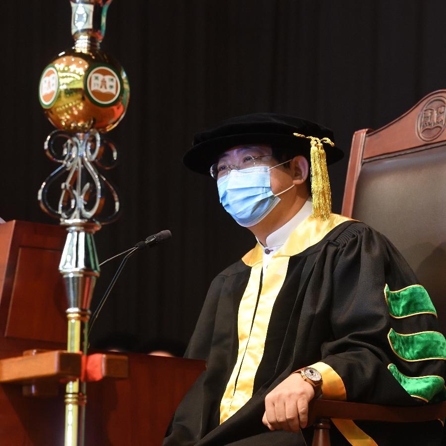 The Ceremony was presided over by Professor Simon Ho, President of The Hang Seng University of Hong Kong.