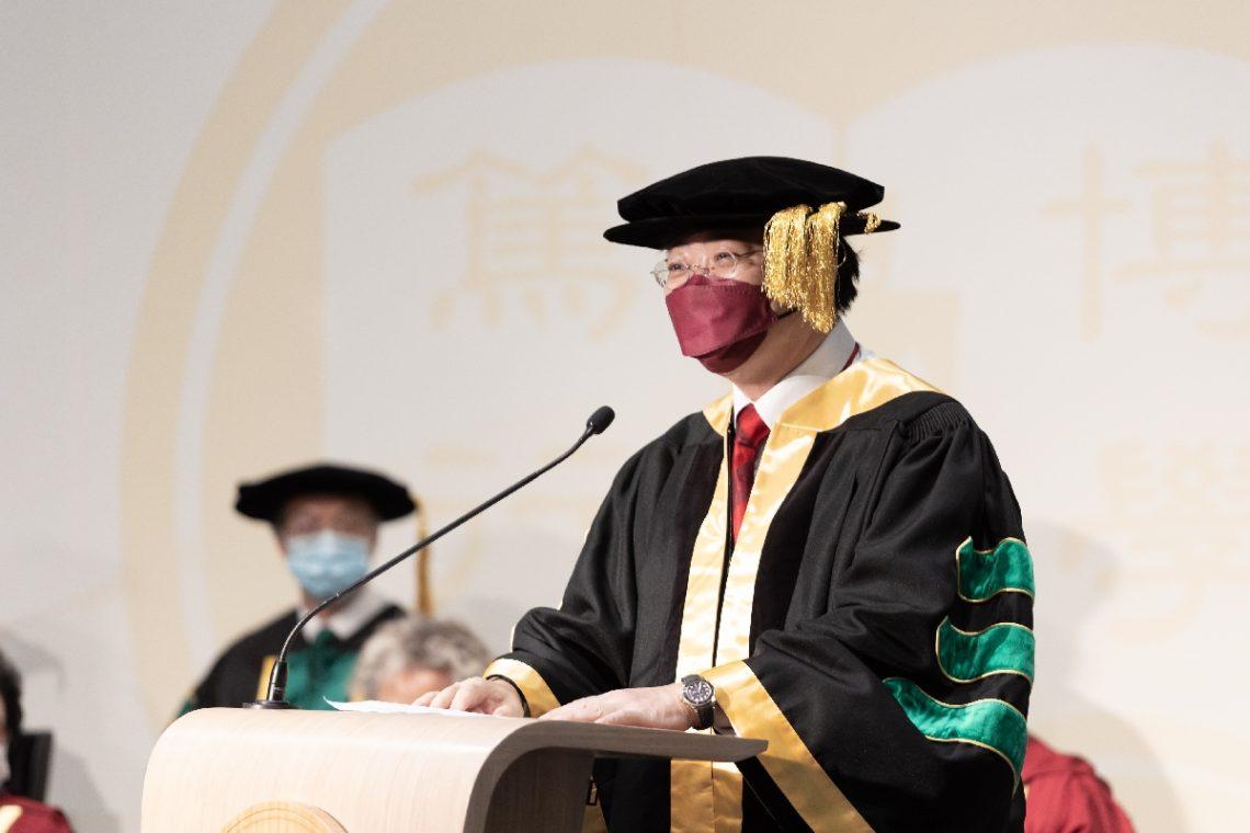 President Simon HO addresses the audience.